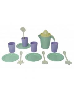 "Plasto ""I AM GREEN"" Dinner set for 4 includes 14 pieces"